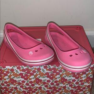 Girl's Pink Crocs Sling Back Shoes. Size 9